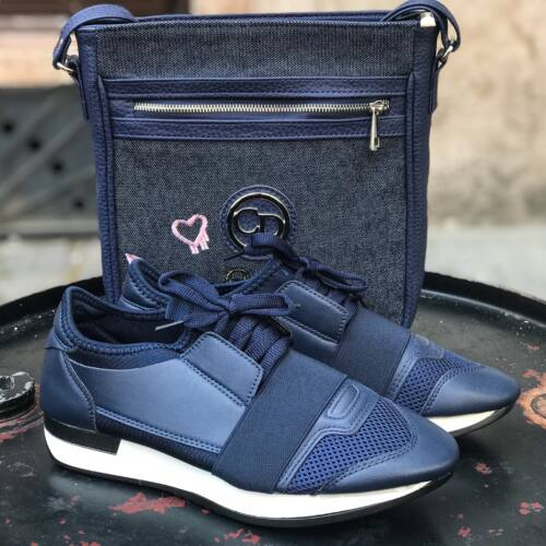 Carry sneakers